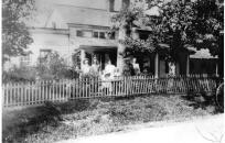 209 Grandview Avenue – Peterson Family – 1904